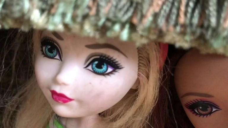 Куклы и клоуны